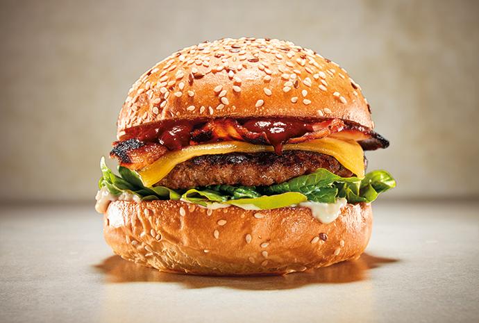Smokey beef & maple bacon burger